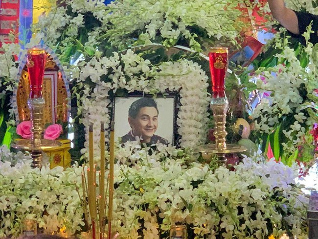 Rơi nước mắt với bài thơ cuối cùng của nghệ sĩ Tuấn Anh, chồng Hồng Vân tiễn đưa diễn viên Anh Vũ - Ảnh 2.