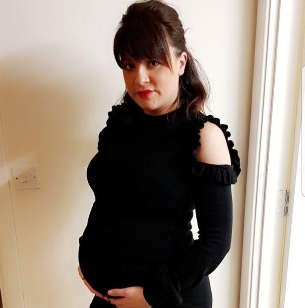 Đi khám thai định kì, người mẹ hoảng hồn khi được bác sĩ thông báo chính bức ảnh siêu âm đã cứu mạng sống của mình - Ảnh 1.