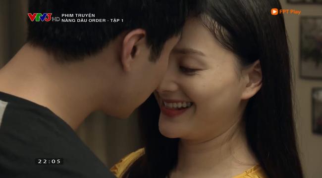 Nàng dâu order tập 1: Chưa có phim truyền hình Việt nào mà mới mở màn, cặp đôi chính đã hở ra là hôn thế này! - Ảnh 8.