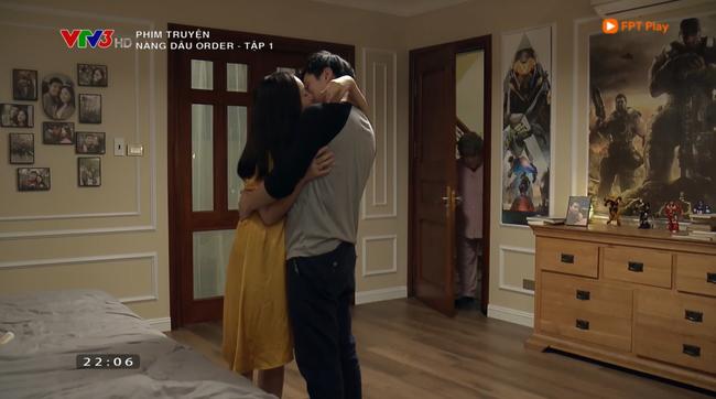 Nàng dâu order tập 1: Chưa có phim truyền hình Việt nào mà mới mở màn, cặp đôi chính đã hở ra là hôn thế này! - Ảnh 10.