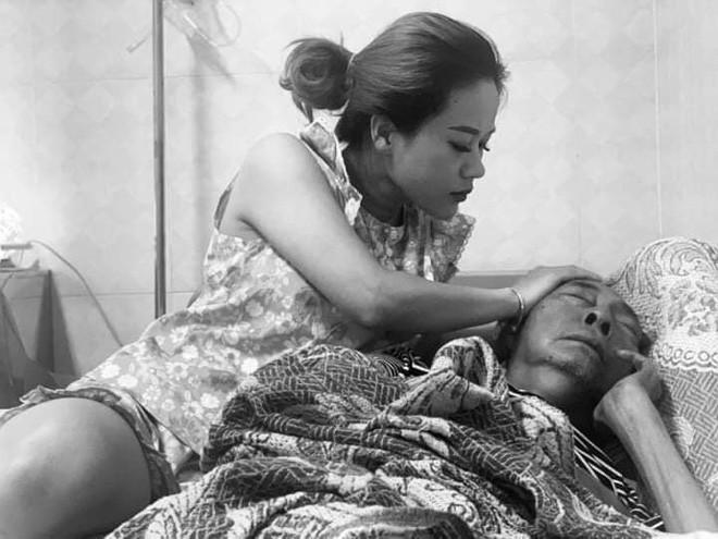 Nghệ sĩ Lê Bình những ngày cuối cùng trên giường bệnh: Hoại tử thân dưới, đau đớn cười trong nước mắt - Ảnh 1.