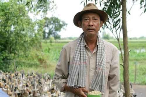 Nghệ sĩ Lê Bình: Hơn 30 năm cống hiến cho nghệ thuật và giọt nước mắt lúc cuối đời vì không thể tiếp tục sự nghiệp diễn xuất - Ảnh 4.