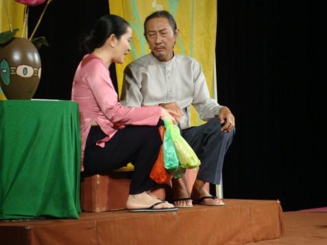 Nghệ sĩ Lê Bình: Hơn 30 năm cống hiến cho nghệ thuật và giọt nước mắt lúc cuối đời vì không thể tiếp tục sự nghiệp diễn xuất - Ảnh 9.