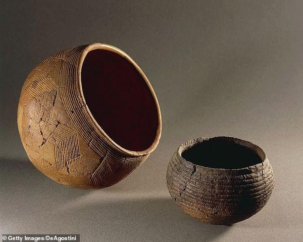 Sự thật gây sốc trong ngôi mộ cổ được tìm thấy ở Ba Lan - Ảnh 3.