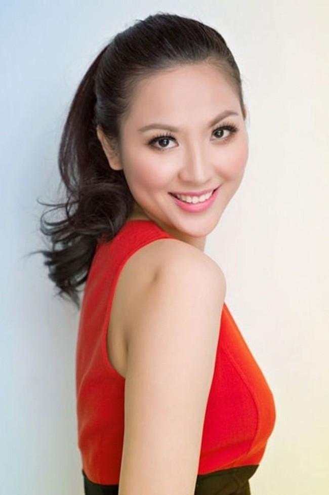 Hoa hậu Việt Nam năm 2000: Từ cô bé bán bánh canh ngoài chợ thành con dâu nhà giàu, nhưng chỉ hai năm đã tan tành giấc mộng lầu hồng - Ảnh 4.