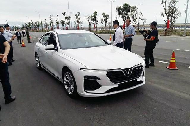 """Người Việt từng trải nghiệm BMW, Mercedes lái thử VinFast Lux tại Hải Phòng nhận xét: """"Rất tốt"""" - Ảnh 1."""
