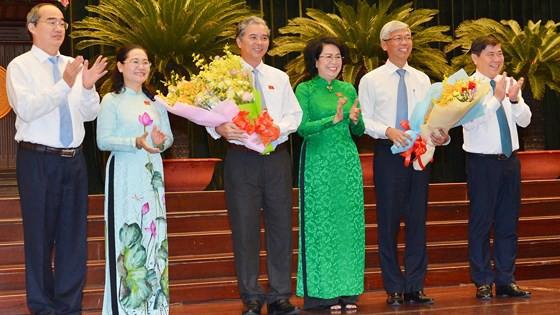 Ông Võ Văn Hoan và ông Ngô Minh Châu làm Phó Chủ tịch UBND TPHCM - Ảnh 3.