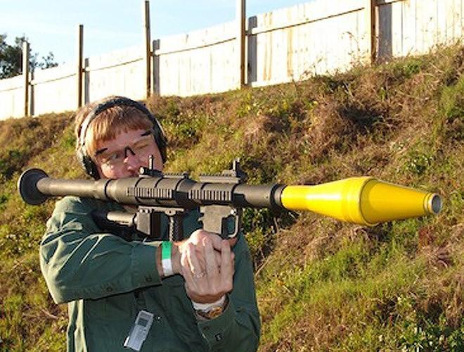 Nga chê bai tên lửa chống tăng Mỹ nhái theo RPG-7 - Ảnh 1.