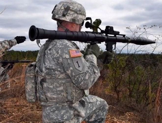 Nga chê bai tên lửa chống tăng Mỹ nhái theo RPG-7 - Ảnh 7.