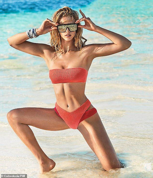 Bạn gái con trai Kẻ hủy diệt Arnold Schwarzenegger gợi cảm với bikini - Ảnh 1.