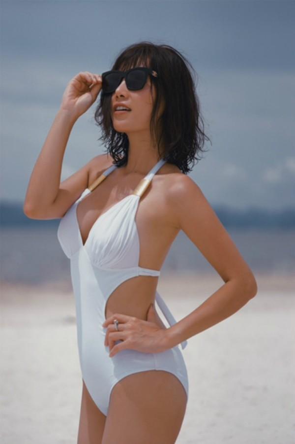 Dàn mỹ nhân Quỳnh búp bê đọ vẻ nóng bỏng với bikini - Ảnh 12.