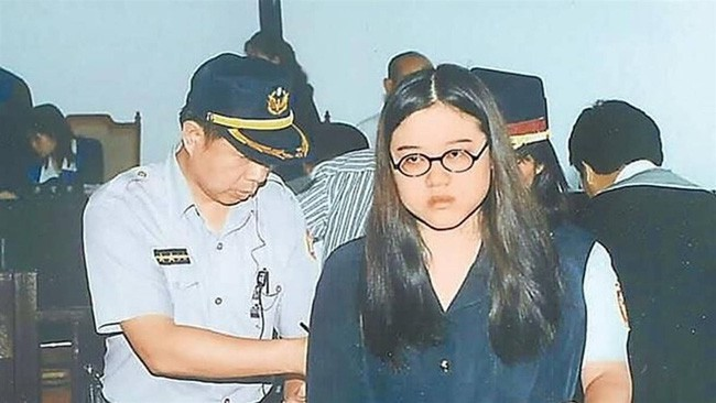 Vụ án gây chấn động Đài Loan: Thi thể cháy đen của nữ sinh viên cùng chiếc bao cao su đã dùng tố cáo tội ác man rợ của cô bạn thân cùng phòng yêu mù quáng - Ảnh 4.