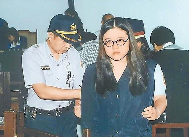 Vụ án gây chấn động Đài Loan: Thi thể cháy đen của nữ sinh viên cùng chiếc bao cao su đã dùng tố cáo tội ác man rợ của cô bạn thân cùng phòng yêu mù quáng - Ảnh 5.