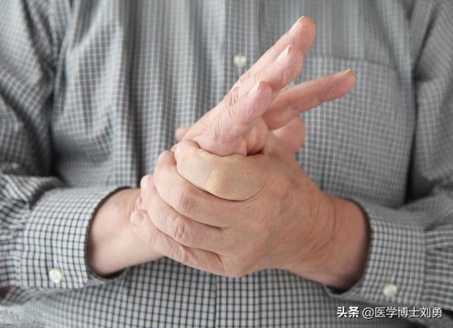 3 dấu hiệu bất thường ở tay chân: 80% khả năng bạn bị tắc mạch máu, nên xử lý ngay - Ảnh 3.