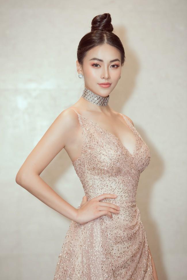 Vượt Ngọc Trinh, Hoa hậu này bất ngờ gia nhập hội mỹ nhân eo con kiến với số đo 54cm - Ảnh 1.