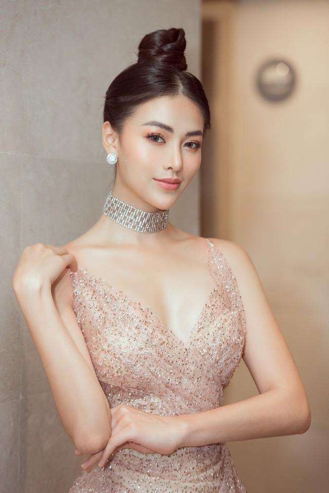Vượt Ngọc Trinh, Hoa hậu này bất ngờ gia nhập hội mỹ nhân eo con kiến với số đo 54cm - Ảnh 2.
