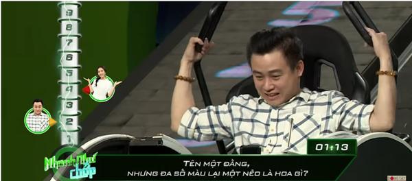 Những lần Hari Won khiến người chơi điên đầu vì đọc câu hỏi đã lơ lớ còn rùa bò tại gameshow Nhanh Như Chớp - Ảnh 3.