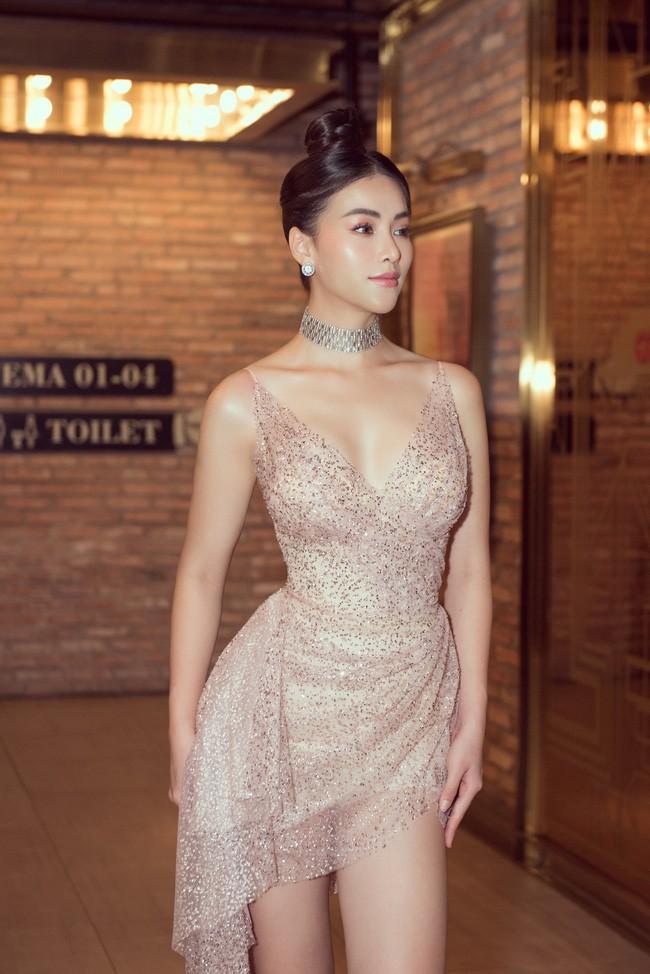 Vượt Ngọc Trinh, Hoa hậu này bất ngờ gia nhập hội mỹ nhân eo con kiến với số đo 54cm - Ảnh 9.