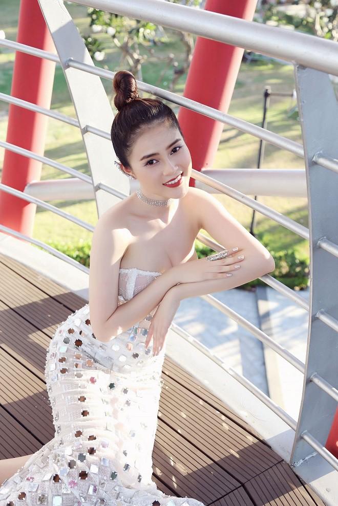 Á hậu Lý Kim Thảo bị cháy da khi chụp hình suốt 5 tiếng dưới trời nắng - Ảnh 9.