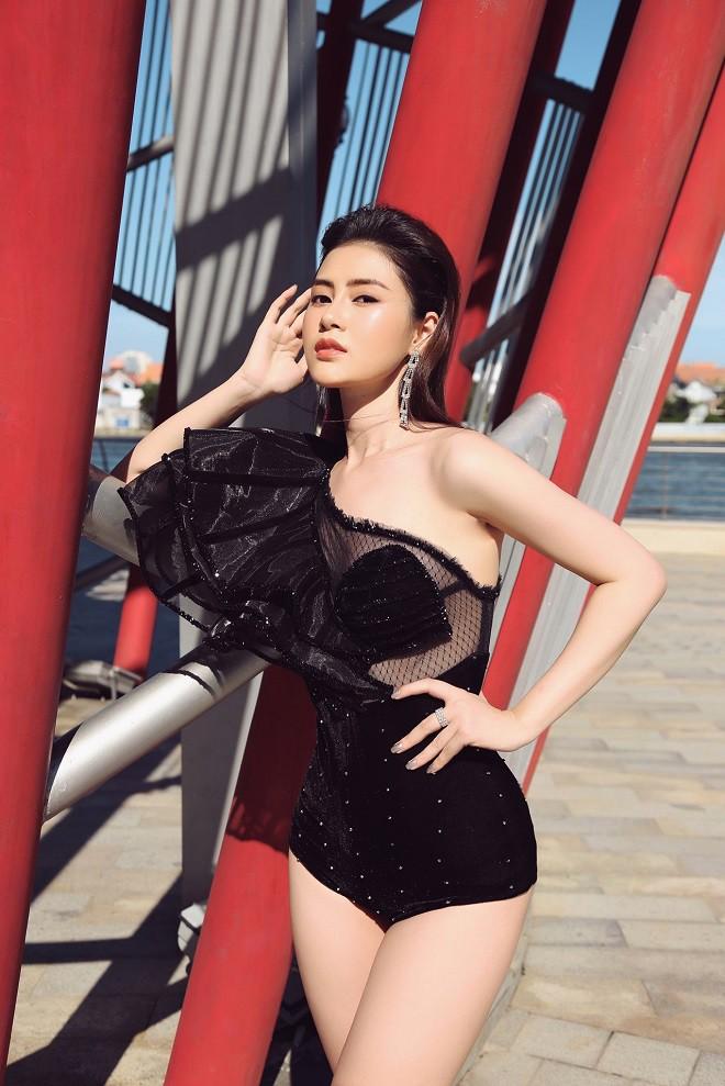 Á hậu Lý Kim Thảo bị cháy da khi chụp hình suốt 5 tiếng dưới trời nắng - Ảnh 3.