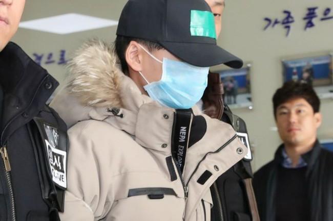 Vụ bắt nạt khiến nam sinh nhảy lầu tự tử gây chấn động Hàn Quốc khép lại với mức án nhẹ nhàng cho 4 kẻ thủ ác gây phẫn nộ - Ảnh 2.