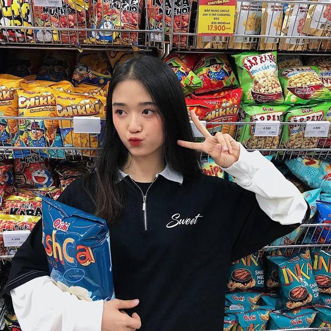 Hội gái xinh mới 17 tuổi đã nổi tiếng rần rần: Toàn cực phẩm học đường, có người được báo Trung ca ngợi với loạt mỹ từ - Ảnh 16.