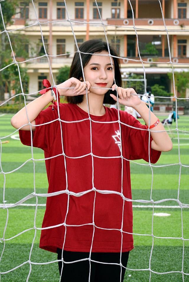 Nữ sinh 2001 được báo Trung gọi là cực phẩm hot girl với nhan sắc trong sáng tựa nữ chính phim thanh xuân vườn trường - Ảnh 3.