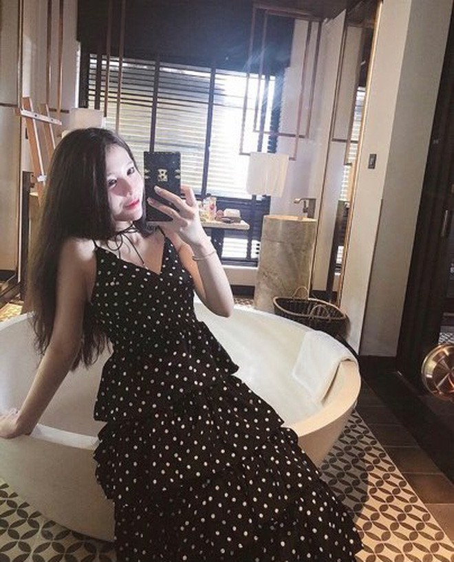 Khi bồn tắm là phụ kiện đọ độ chanh xả của hot girl: Người hở bạo, kẻ kín đáo nhưng vẫn khó phân định ai sexy hơn - Ảnh 8.