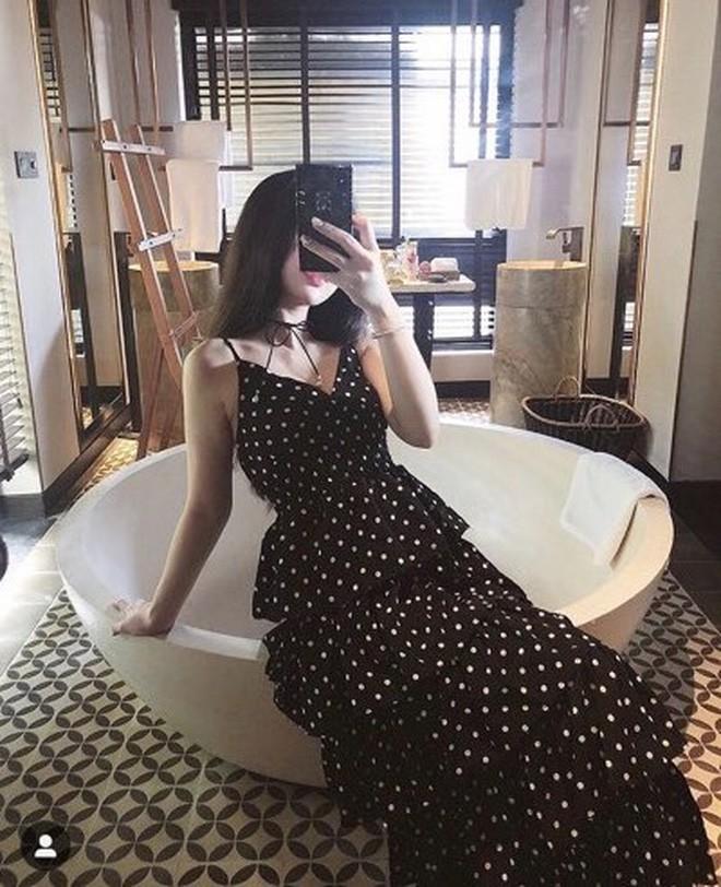 Khi bồn tắm là phụ kiện đọ độ chanh xả của hot girl: Người hở bạo, kẻ kín đáo nhưng vẫn khó phân định ai sexy hơn - Ảnh 9.