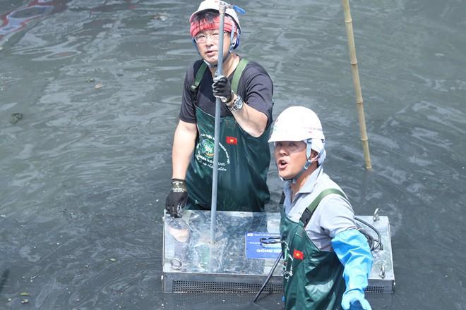 [Ảnh] Tận mắt công nghệ Nhật đặt dưới đáy, làm bay mùi hôi sông Tô Lịch chỉ sau 3 ngày - Ảnh 6.