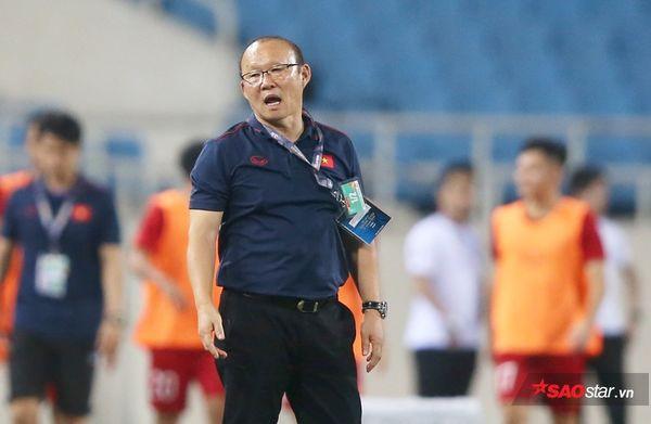 Lời khuyên của HLV Lê Thụy Hải: Quên Thái Lan đi, hãy mơ World Cup - Ảnh 1.