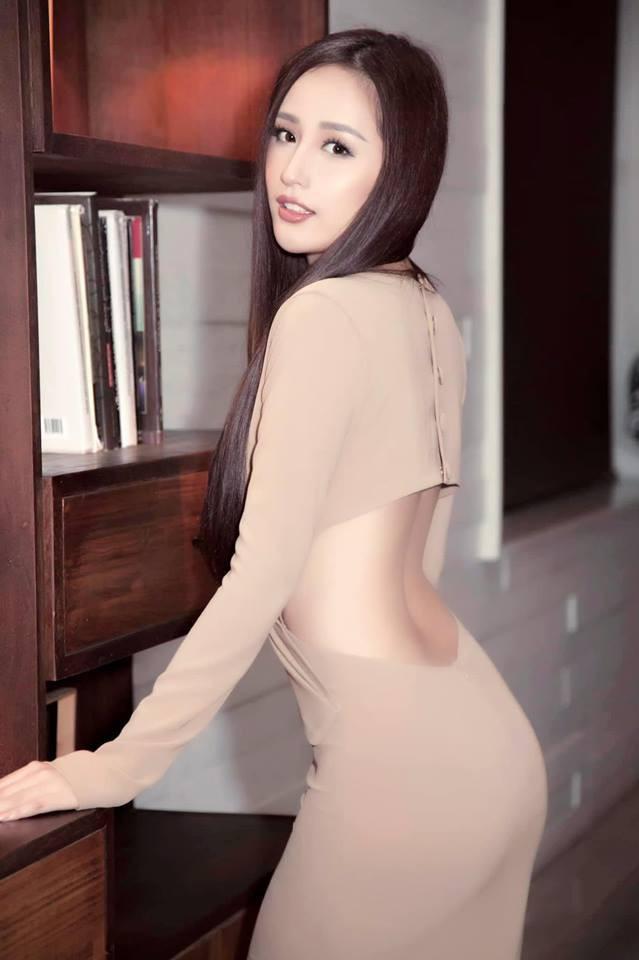 31 tuổi, chưa chồng, Mai Phương Thúy tự làm đại gia của chính mình - Ảnh 1.