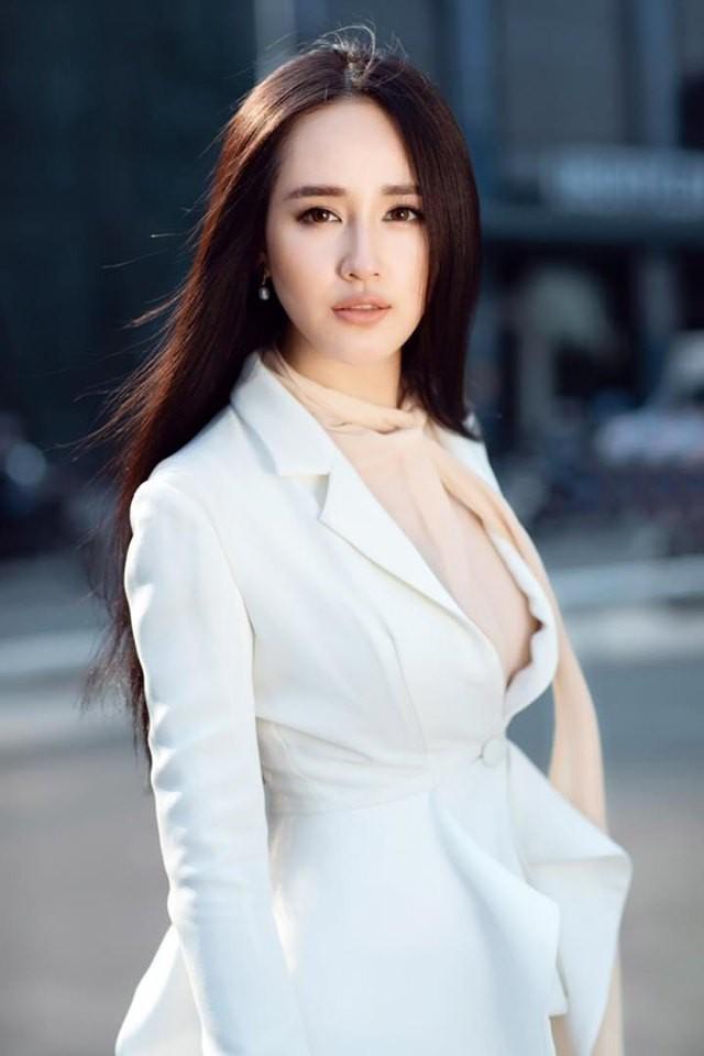 31 tuổi, chưa chồng, Mai Phương Thúy tự làm đại gia của chính mình - Ảnh 4.