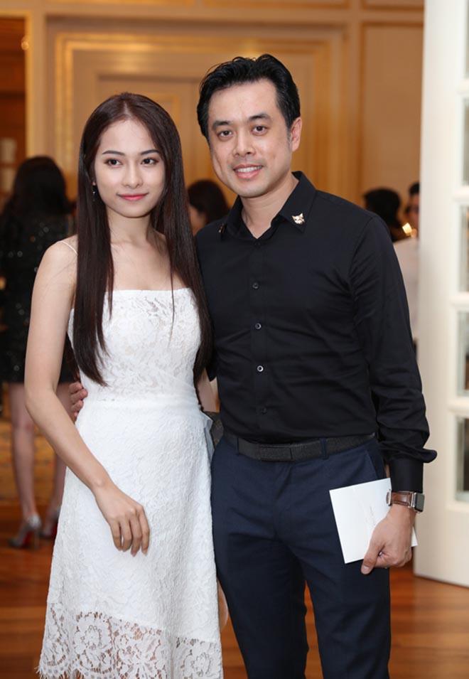 Vẻ gợi cảm của ca sĩ trẻ yêu gần 1 năm, Dương Khắc Linh đã vội xin cưới - Ảnh 2.