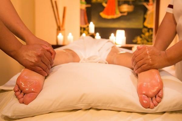 Nghe lời đến tiệm massage của thầy giáo để thư giãn, nữ sinh viên gặp họa kinh hoàng - Ảnh 1.