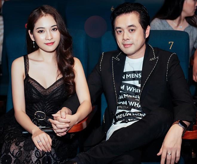 Vẻ gợi cảm của ca sĩ trẻ yêu gần 1 năm, Dương Khắc Linh đã vội xin cưới - Ảnh 1.