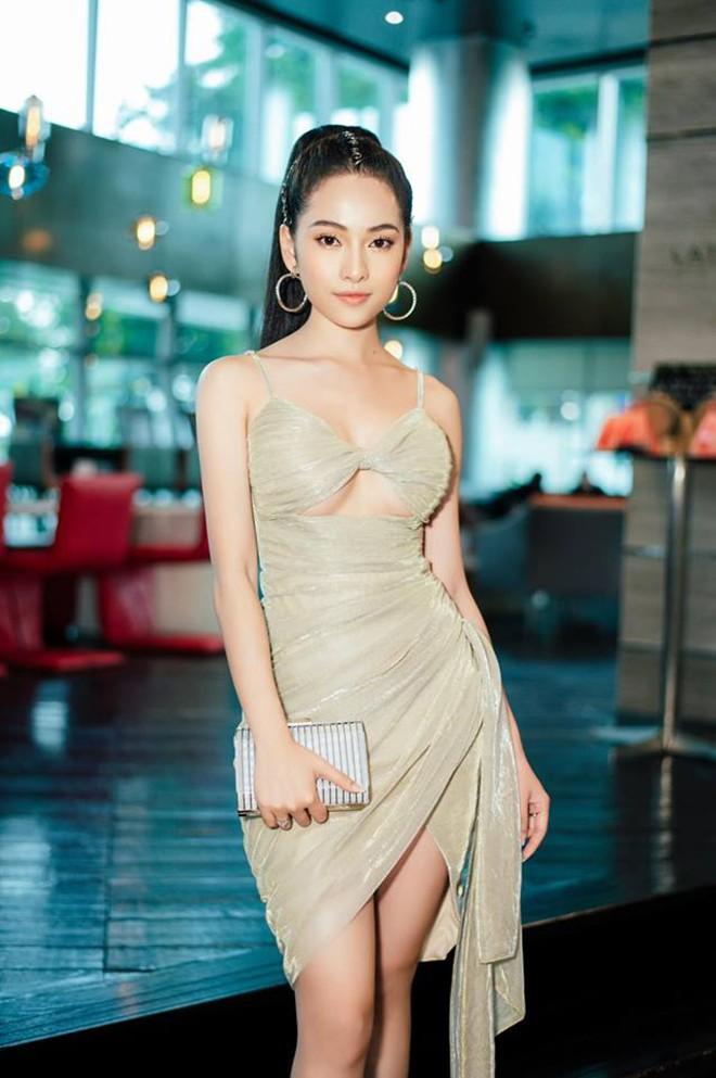 Vẻ gợi cảm của ca sĩ trẻ yêu gần 1 năm, Dương Khắc Linh đã vội xin cưới - Ảnh 10.