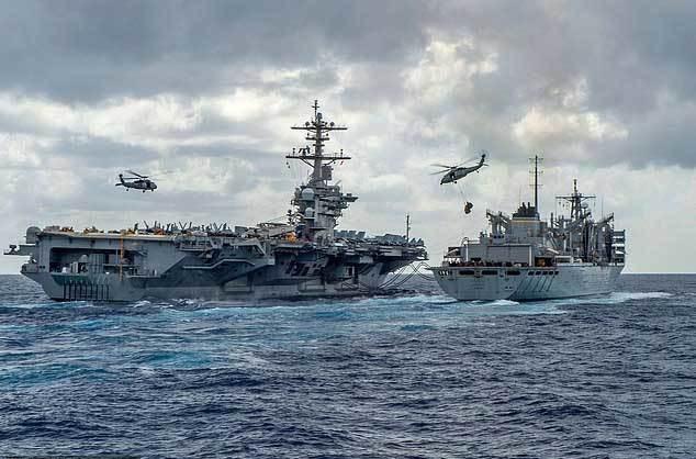 Iran chất tên lửa lên tàu, thổi bùng nguy cơ chiến tranh với Mỹ - Ảnh 2.