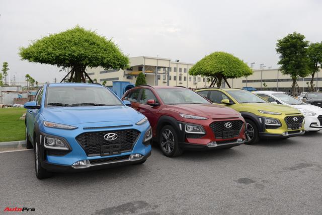 Đang bán chạy, Hyundai Kona bất ngờ tăng giá niêm yết cả 3 phiên bản tại Việt Nam - Ảnh 1.
