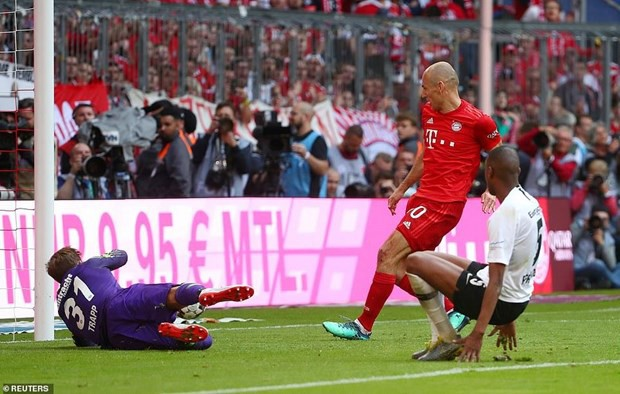 Bundesliga hạ mạn: Bayern Munich vô địch lần thứ 7 liên tiếp - Ảnh 2.