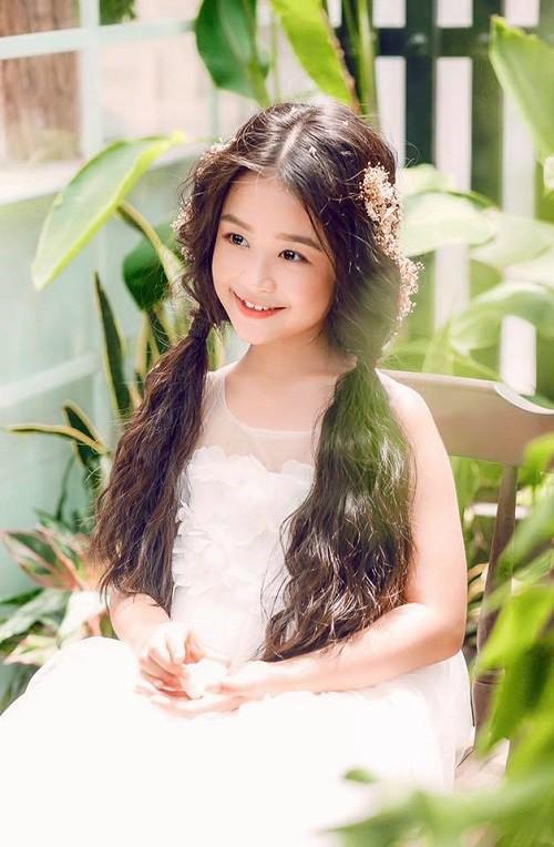 3 mỹ nhân nhí đang hot nhất Vbiz: Bản sao Phạm Hương đóng cảnh nóng năm 13 tuổi đến Hoa hậu Hoàn vũ khi chỉ vừa lên 7 - Ảnh 19.