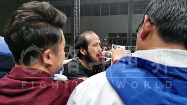 Báo Trung Quốc hé lộ bí mật khó ngờ của võ sư Vịnh Xuân sau thất bại muối mặt - Ảnh 1.