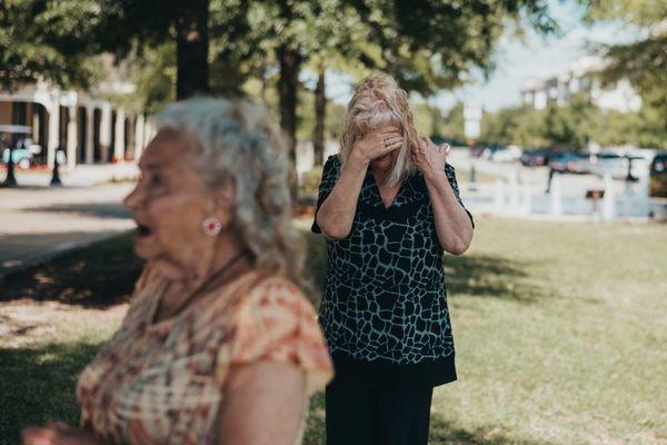 Nghẹn ngào giây phút đoàn tụ sau 70 năm xa cách của bà mẹ 90 tuổi - Ảnh 4.