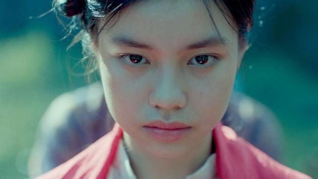 Nhân vụ nữ diễn viên 15 tuổi đóng phim 18+ gây sốc, fan đào lại cảnh cởi áo năm 16 tuổi của Lưu Diệc Phi - Ảnh 1.