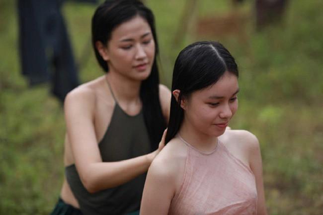 Nhân vụ nữ diễn viên 15 tuổi đóng phim 18+ gây sốc, fan đào lại cảnh cởi áo năm 16 tuổi của Lưu Diệc Phi - Ảnh 3.