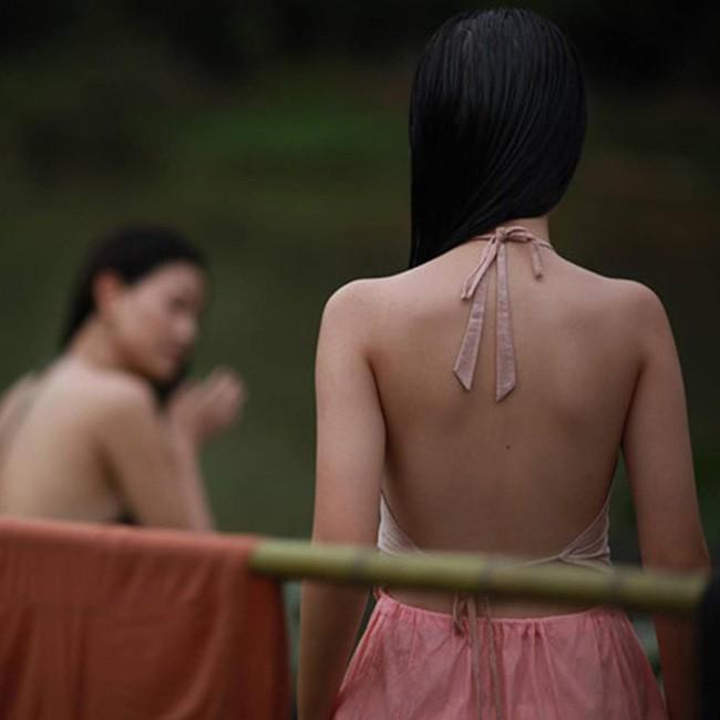 Nhân vụ nữ diễn viên 15 tuổi đóng phim 18+ gây sốc, fan đào lại cảnh cởi áo năm 16 tuổi của Lưu Diệc Phi - Ảnh 5.