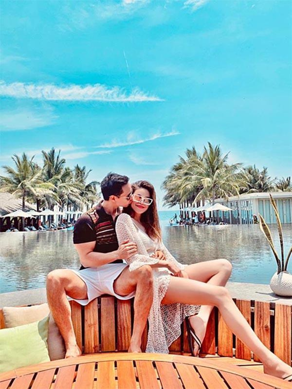 Loạt ảnh bikini nóng bỏng của Hồ Ngọc Hà khi đi du lịch cùng Kim Lý - Ảnh 1.