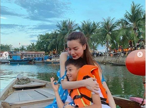 Loạt ảnh bikini nóng bỏng của Hồ Ngọc Hà khi đi du lịch cùng Kim Lý - Ảnh 3.