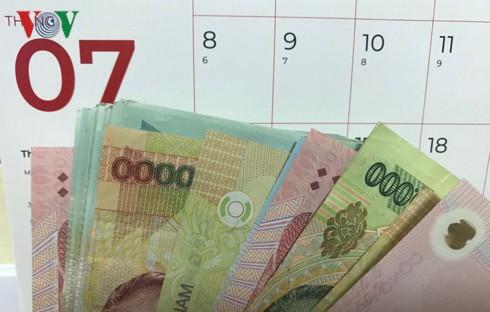Những thay đổi về tiền lương cán bộ, công chức cần biết - Ảnh 1.
