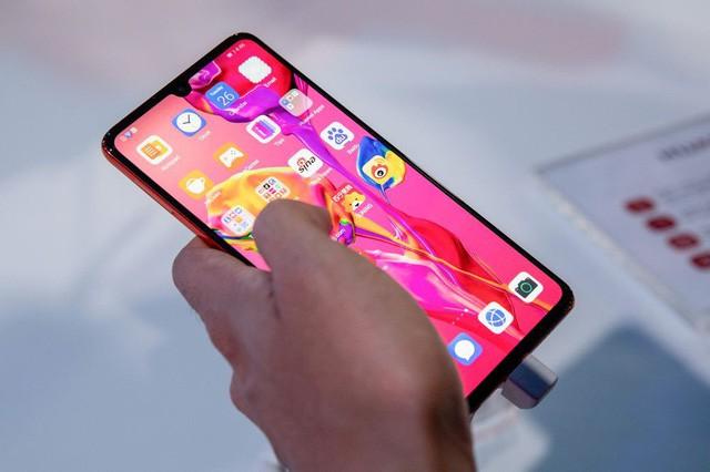 Sau Google, hàng loạt ông lớn công nghệ Mỹ bắt đầu cắt nguồn cung cho Huawei - Ảnh 1.
